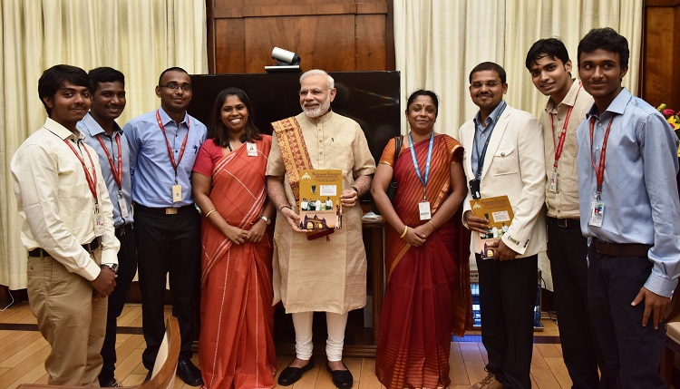 Prime Minister Narendra Modiji with Sathyabama Students